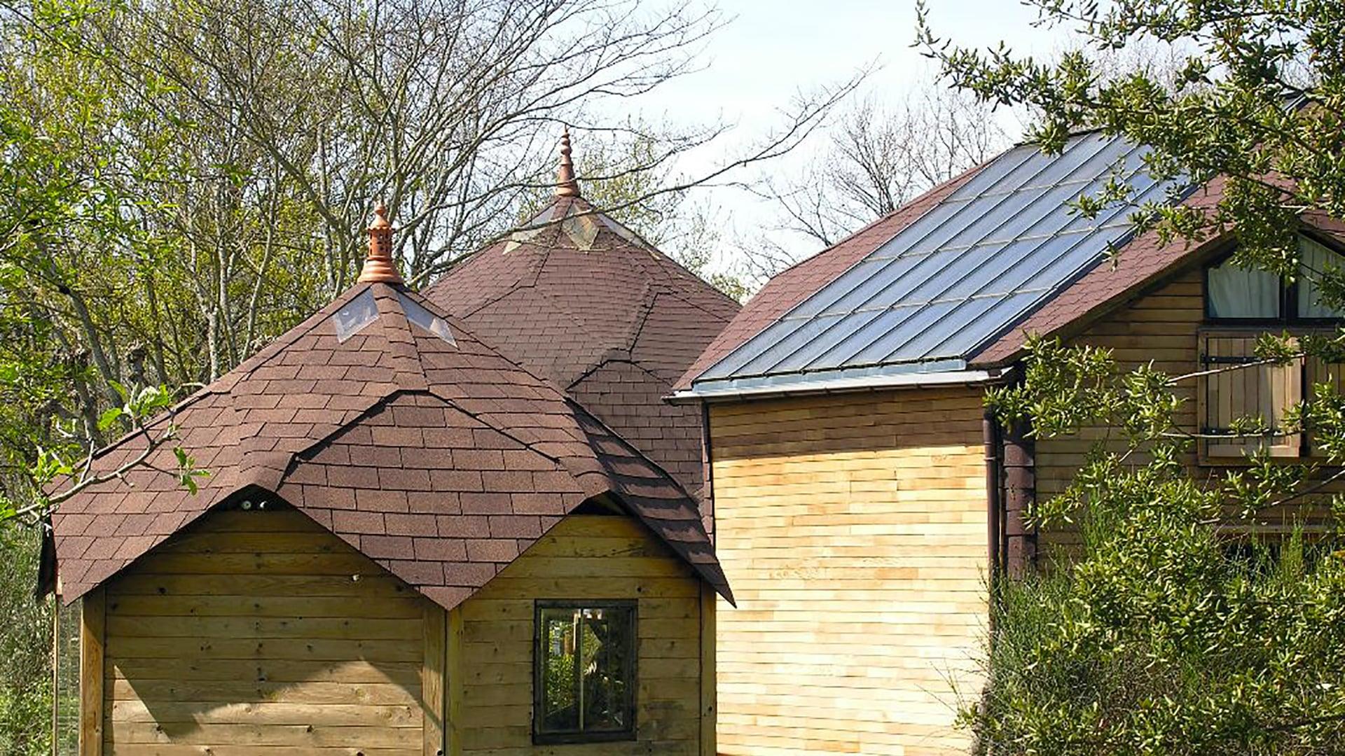zomes et panneaux solaires